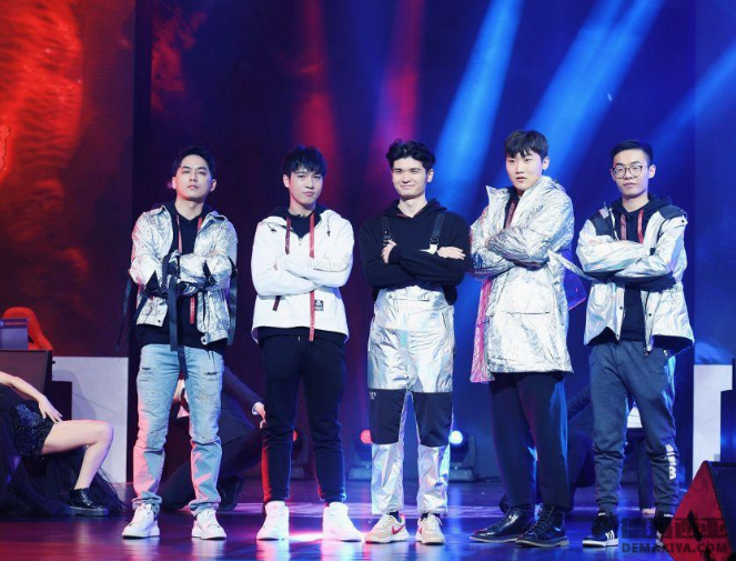 《超越吧!英雄》总决赛在上海举办 传奇明星队助阵